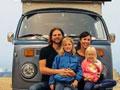 带上孩子老婆,开着改装太阳能房车横跨美国