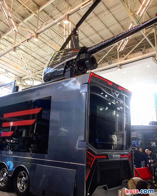 """美""""极乐世界""""房车:顶部可起降直升机 防堵车"""