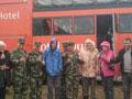 20名德国游客西藏开房车被困泥沼获救