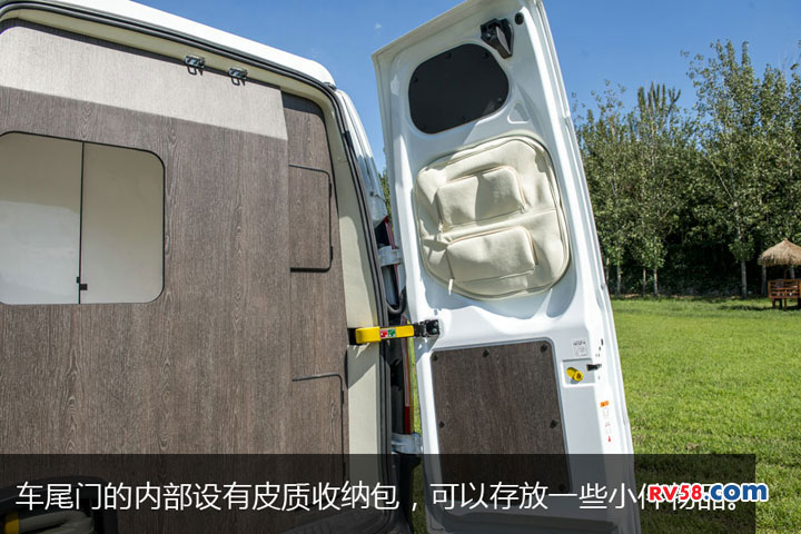 品质上乘经典实用   钧安全顺升降顶房车评测