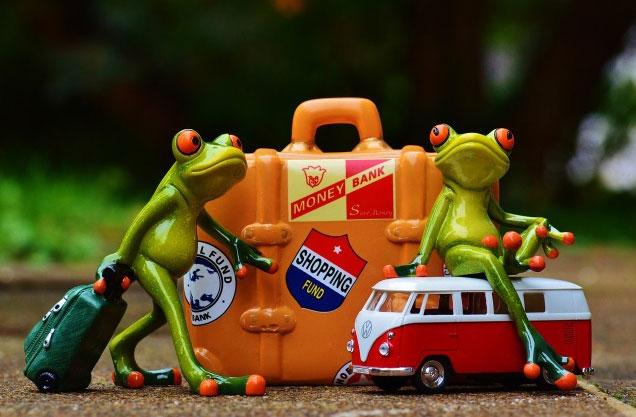 房车出境自驾整理行李  有些物品很有讲究