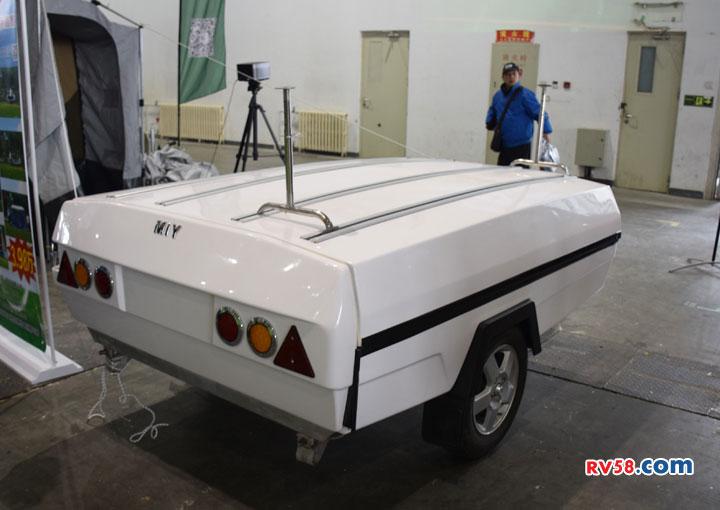 盘点几款售价不到3万的小型拖挂房车