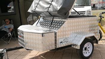 来自澳洲�的越野拖挂折叠帐篷房车  售价3.58万