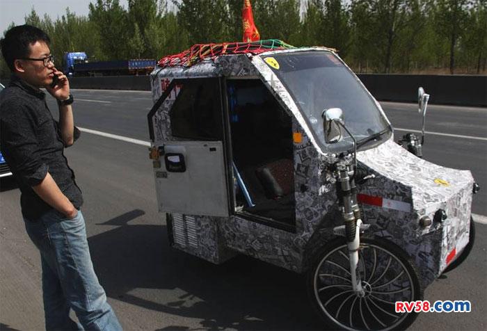 33岁单身小伙自制房车骑行中国