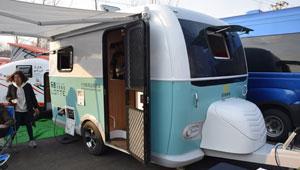 金辂乐途中小型拖挂房车 售价8.99万元可上牌上路