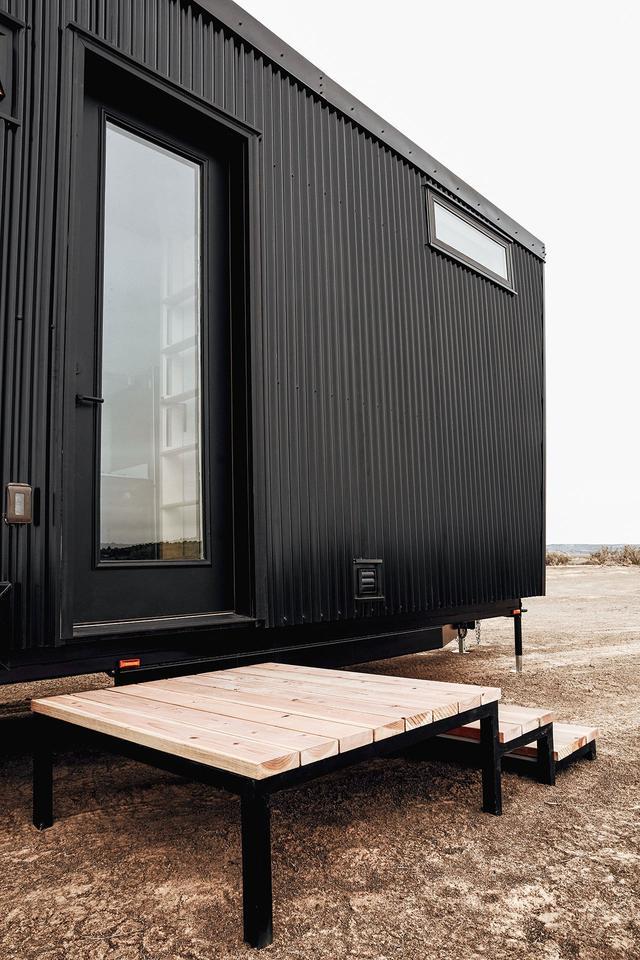 夫妇的用集装箱改造的房子