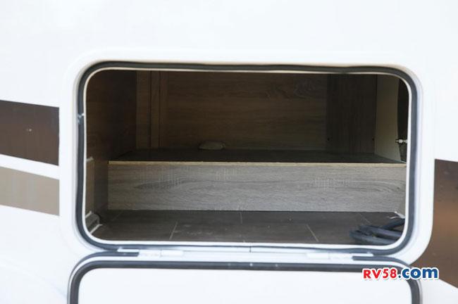 德兴房车牡羊座38.8万大通V80C型房车上市