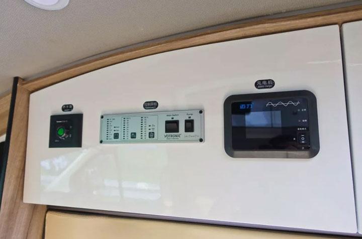 景宴睿535福特新全顺自行式B型房车